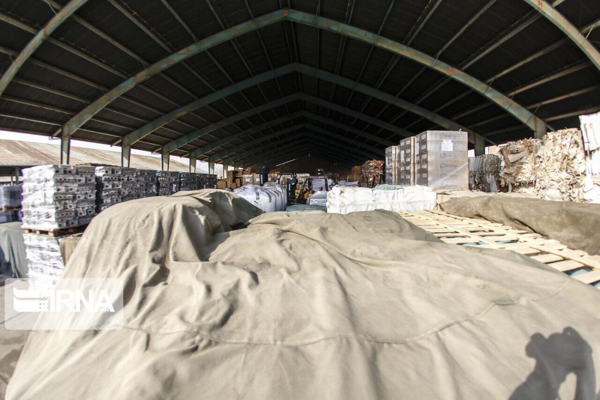 خبرنگاران 60 میلیارد ریال مواد خوراکی احتکار شده در یزد کشف شد
