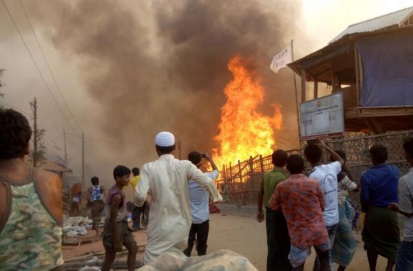 آتش سوزی در اردوگاه آوارگان در الحدیده